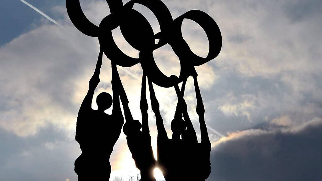 Wird die Schweiz die Olympischen Winterspiele 2026 in Sion stemmen können? Das IOC sieht davon ab, für die Kandidatur eine unlimitierte Defizitgarantie einzufordern. (Archivbild)