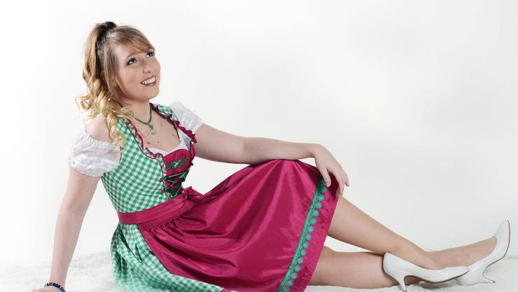 Michelle Ryer begeistert mit Blick auf den Weissenstein ihre Fans