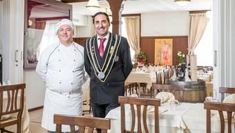 Erasmo Rappa (Pizzaiolo) und Vincenzo Palmeri haben in Vogelsang bei Turgi das Restaurant «L'Assaggio zur Brücke» im ehemaligen Restaurant «Zur Brücke» eröffnet.