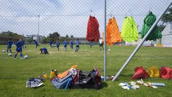 Der Juniorenfussball boomt. Doch den Vereinen fehlt die Zeit, alle ehrenamtlichen Trainer zu durchleuchten.