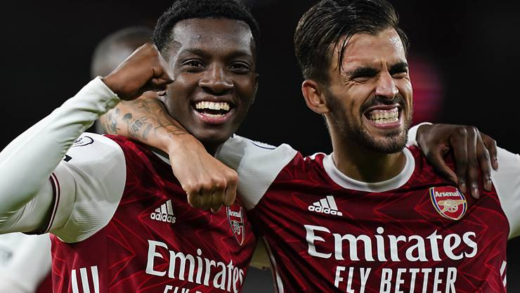 Arsenals junger Siegestorschütze Edward Nketiah (links) voller Freude über seinen Coup.