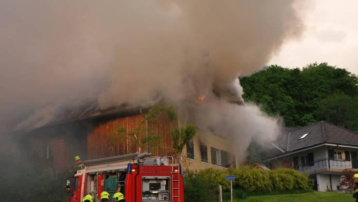 Das Bauernhaus in Geuensee LU erlitt nach dem Brand grossen Schaden und ist nicht mehr bewohnbar.