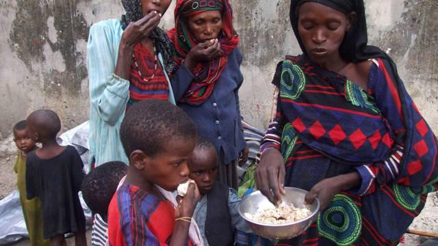 Ein Herz für Hungernde hat der Nationalrat gezeigt: Er verlängert die humanitäre Hilfe (Symbolbild)