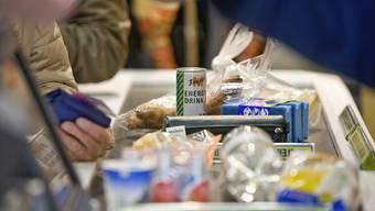 Das Wichtigste vorab: Gehe nur dort einkaufen, wo stets mehrere Kassen geöffnet sind. (Archiv)