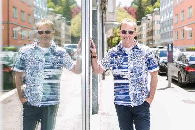 Beat Uboldi ist im Chrüzliberg-Quartier aufgewachsen und führt hier seit 33 Jahren sein Coiffeurgeschäft.