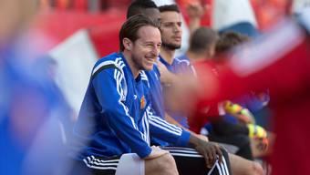 Ungewohntes Bild: Vielspieler Luca Zuffi sitzt beim FC Basel nur selten auf der Ersatzbank.