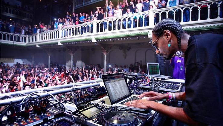 Ganz auf dem Altar, zu einem profanen Zweck: In dieser umgenutzten Kirche in Amsterdam stieg 2011 ein Konzert des US-Rappers Snoop Dogg.