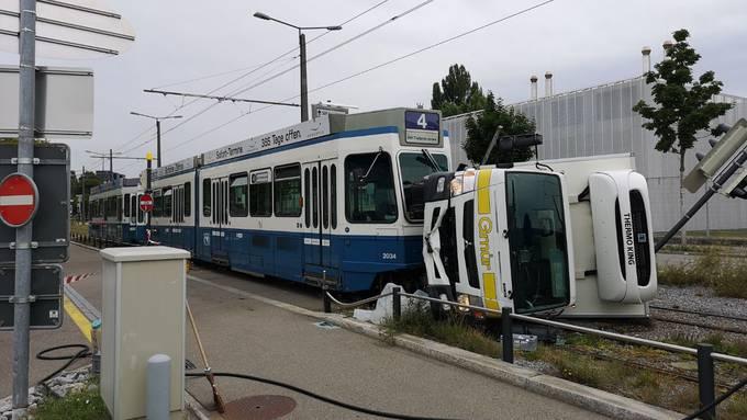 Spektakulärer Unfall in Altstetten