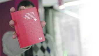 Kommt R. im zweiten Durchgang zum Roten Pass? Die «Gmeind» entscheidet im Juni erneut.über seine Einbürgerung