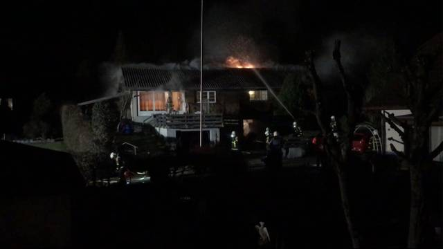 Einfamilienhaus in Oftringen brennt aus