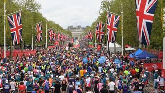 Für die grosse Masse der Hobbyläufer lohnt sich der Carbonschuh nicht. Im Bild: Der London Marathon.