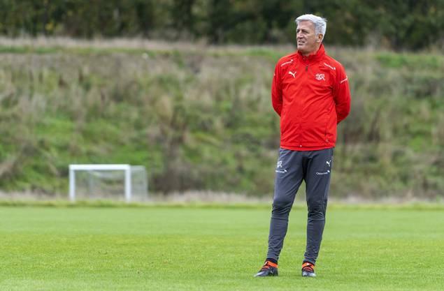 Es ist der 13. Oktober 2019 – Vladimir Petkovic blickt im Training auf sein Nationalteam, am Tag nach dem 0:1 gegen Dänemark