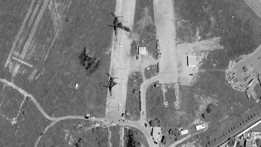 Truppen des abtrünnigen Generals Chalifa Haftar haben im April eine Offensive zur Eroberung der libyschen Hauptstadt Tripolis gestartet. Das Satellitenbild zeigt den Flughafen Mitiga nach Luftschlägen durch Haftars Einheiten. (Archivbild)