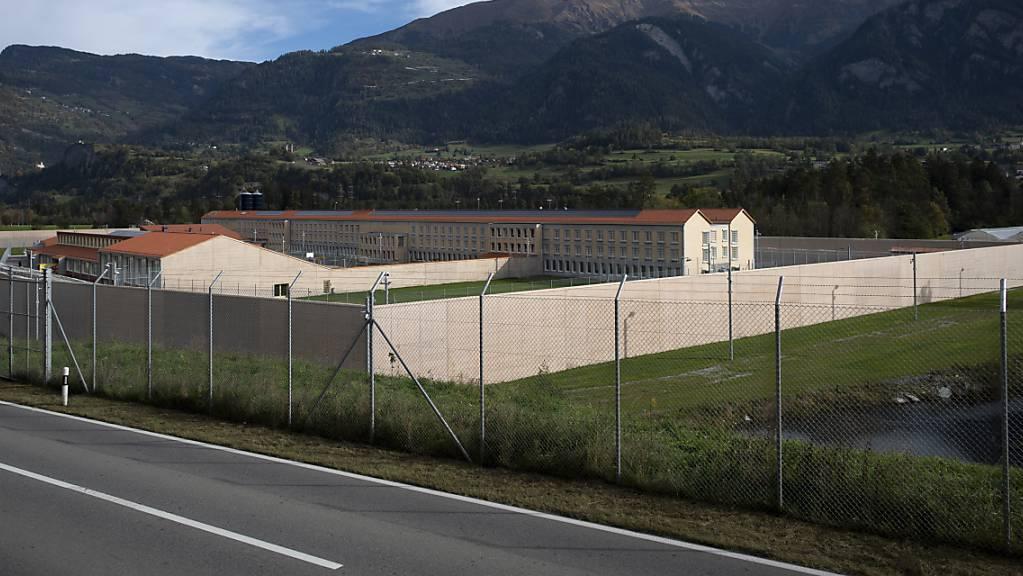 Blick auf die neu gebaute Justizvollzugsanstalt Tignez in Cazis: Das Gefängnis soll nach einer Testphase im Januar bis zu 152 Inhaftierte aufnehmen.