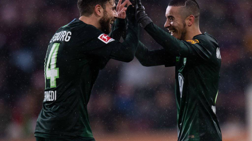 Admir Mehmedi darf bei seinem Comeback für Wolfsburg jubeln: Zwar bleibt der Schweizer ohne Torerfolg, seine Mannschaft gewinnt allerdings locker mit 3:0