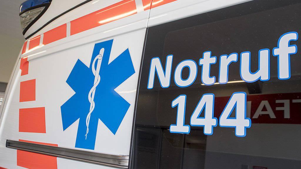Trotz Reanimationsversuche des Rettungsdienstes verstarb ein 42-jähriger Mann aus Sri Lanka am Freitagabend in einer Arrestzelle in Luzern. (Archivbild)