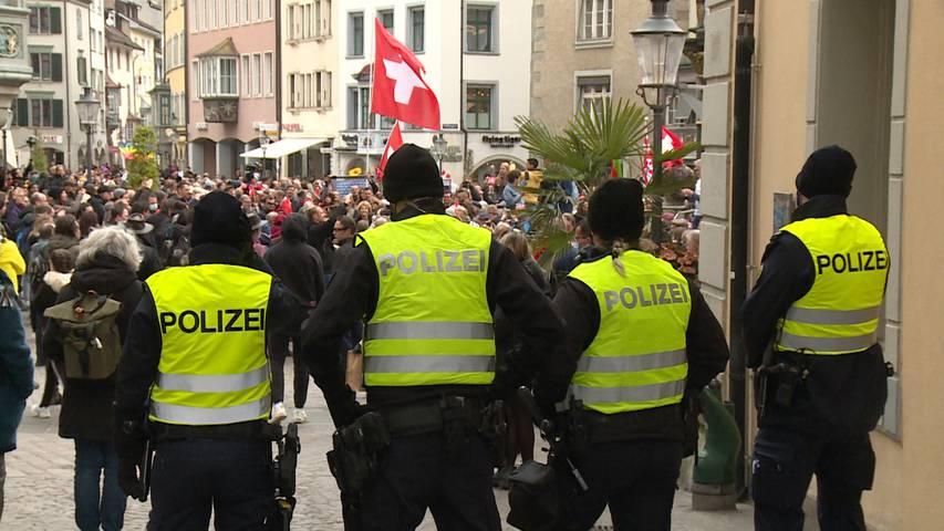 «Gegen Unvernunft gibt es keine Mittel»: Schaffhauser Polizei zu Corona-Demo mit 1000 Personen