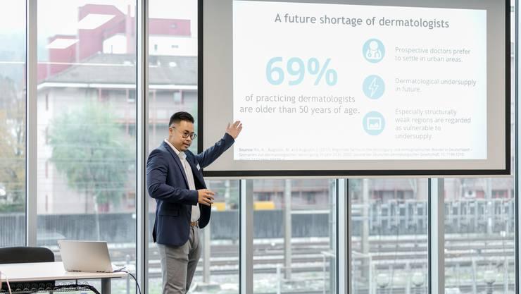 Die Firma Derma2go wurde von Min Vitisvorakarn vorgestellt. Derma2go ist eine von sieben Limmattaler Unternehmen, die ausgewählt wurden.