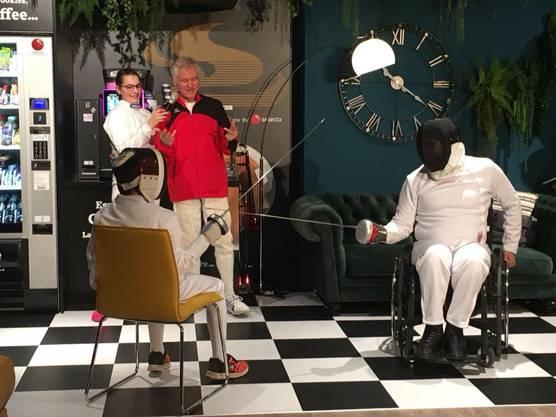 Der Fechtclub Baden präsentierte das Rollstuhlfechten beim grossen Vereinsevent in der Lipo Filiale in Suhr.