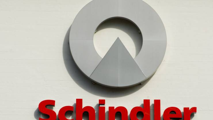 Ein Mitarbeiter des Lift- und Rolltreppenbauers Schindler ist in Tokio freigesprochen worden: Logo des Unternehmens in Ebikon LU.