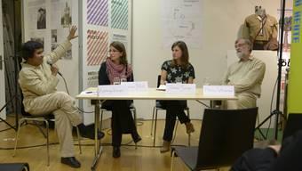 Sorgten für eine spannende und anregende Diskussion (v.l.): Karthiya Kirupakarasarma, Sevim Polat, Moderatorin Yvonne Schär und Klaus Wloemer.