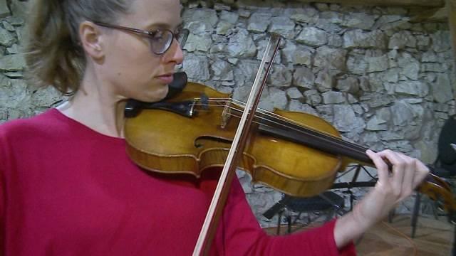 Auf Schloss Brunegg kann man nach Mozarts Geige tanzen