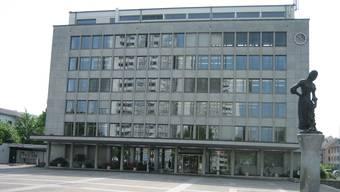 Das Gemeindehaus in Wettingen – in Zukunft sollen hier noch nur fünf statt sieben Gemeinderäte arbeiten.