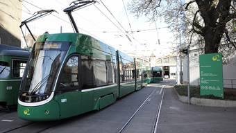 Bei Trams und Bussen kehrt ab dem 11. Mai im Fahrplan langsam wieder Normalität ein.