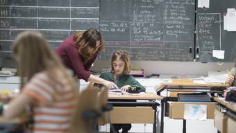 Wie viel verstärkte Massnahmen oder Zusatzlektionen sie anbieten wollen, können die Schulen vor Ort künftig selber entscheiden.