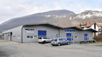 In diesen Hallen der Brunner Transporte AG an der Hirsackerstrasse 26 möchte der Gemeinderat den Werkhof zentralisieren.