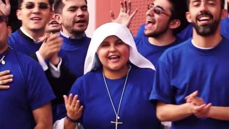 Schwester Maria Valentina rapt dem Papst demnächst eins vor. (Screenshot YouTube)
