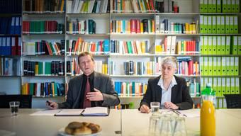 Ziehen Bilanz zum vergangenen Jahr: Oberstaatsanwalt Hansjürg Brodbeck und die Leitende Jugendanwältin Barbara Altermatt.