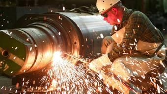Die Zahl der Betriebe mit Kurzarbeit nimmt leicht zu. Vor allem die MEM-Industrie leidet. (Symbolbild)