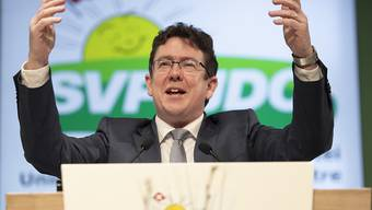 SVP-Parteipräsident Albert Rösti hielt an der Delegiertenversammlung eine feurige Rede für den Erhalt der Schweizer Werte.