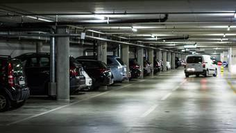 Die grössten Parkhäuser in der Aarauer Innenstadt gehören Privaten – und liegen somit ausserhalb der Kontrolle des Stadtrates.