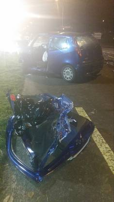 Das Auto der Unfallverursacherin, einer 26-jährigen Frau. Sie war eingeklemmt, die Feuerwehr musste sie befreien.