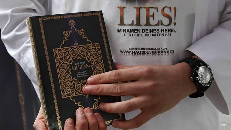 """Winterthur prüft Verbot der Koran-Verteilaktion """"Lies!"""" (Symbolbild)"""