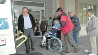Die letzten Patienten des Grenchner Spitals treffen in Solothurn ein.