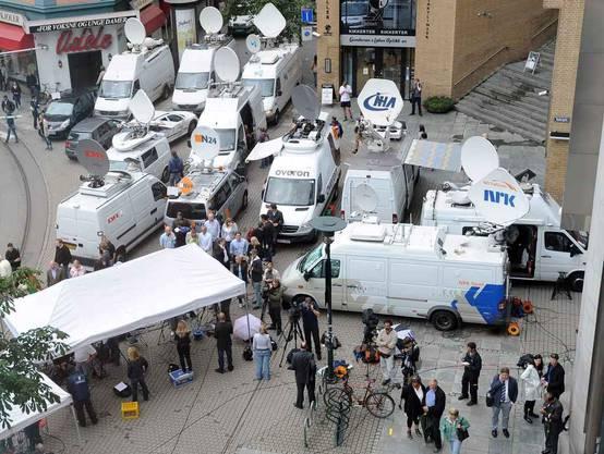 Grosser Medienauflauf bei der Haftvorführung von Breitvik
