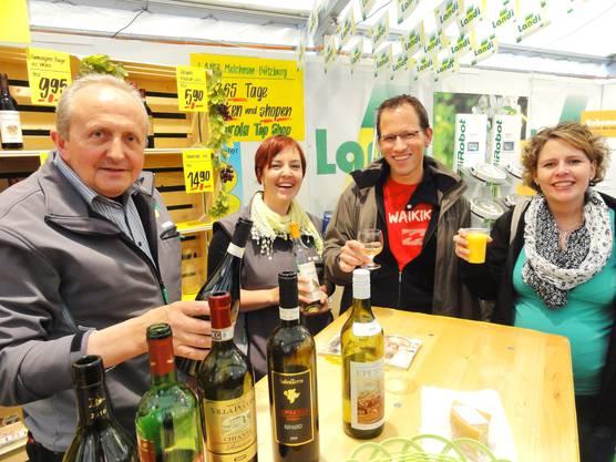 Wein geniessen und auf die Büga anstossen am Landi-Stand