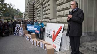 Dick Marty, Co-Präsident der Konzernverantwortungsinitiative und Tessiner alt Ständerat, 2016 bei der Einreichung in Bern.
