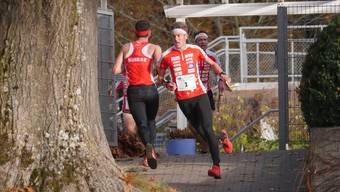 Matthias Kyburz setzt sich knapp gegen seine Konkurrenten durch.