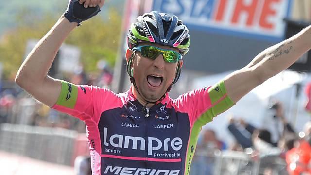 Diego Ulissi feiert seinen zweiten Giro-Etappensieg