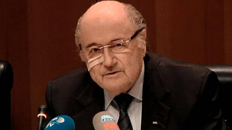 Sepp Blatter nach seiner Suspendierung (21.12.15)