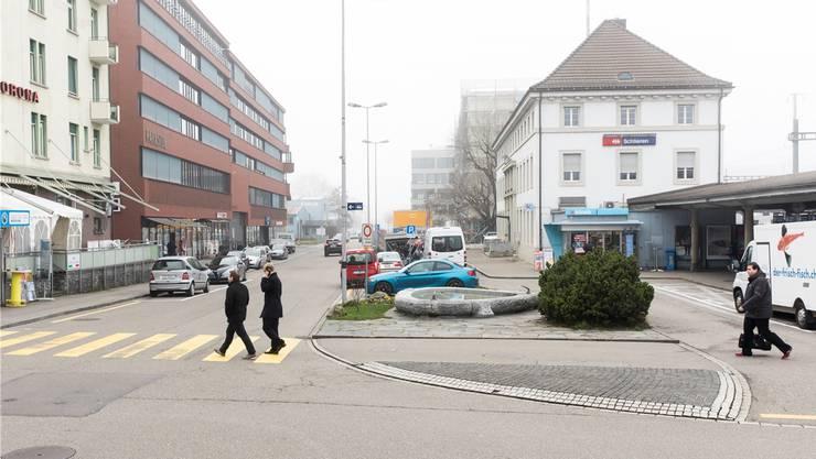Bei der künftigen Gestaltung des Bereichs rund um den Bahnhof Schlieren herrscht Uneinigkeit unter den Parteien.