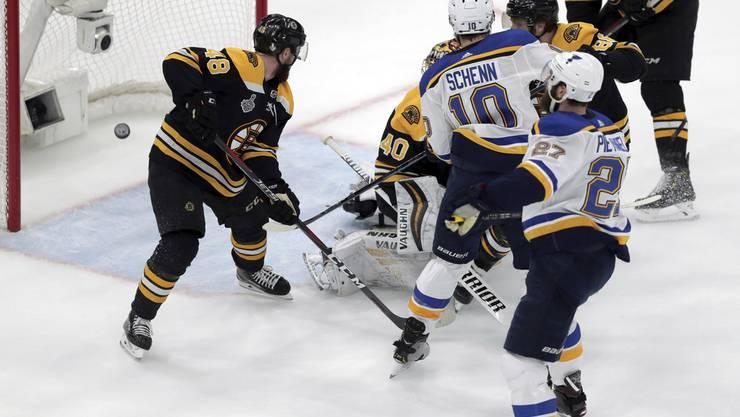 Die St. Louis Blues haben erstmals den Stanley Cup gewonnen: Beim 4:1-Sieg legt Alex Pietrangelo (M.) mit seinem Tor im ersten Drittel den Grundstein für den Erfolg.