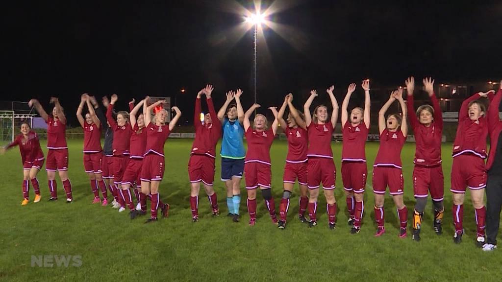 FC Helvetia: Nationalrats-Damen-Team spielt seinen ersten Match