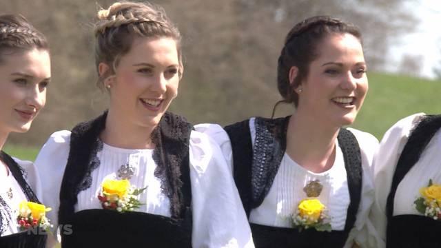 Ehrendamen von diesjährigem Schwingerfest proben den Ernstfall