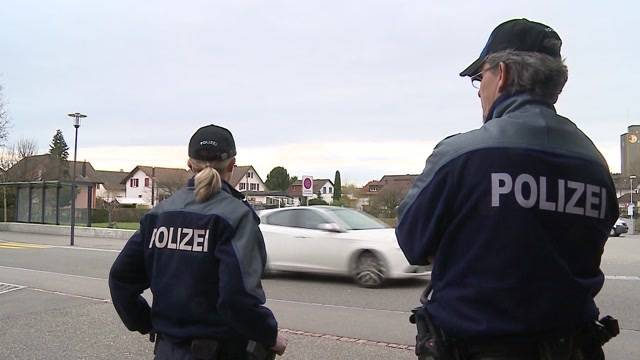 Polizei büsst Eltern-Taxis