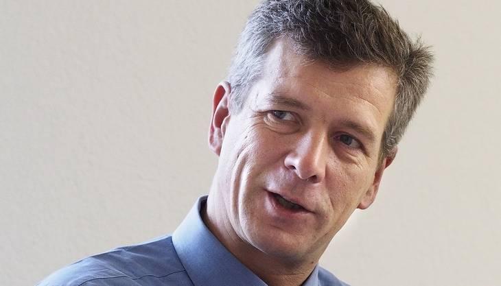 Wird die Abmachung der Bürgerlichen über den Haufen geworfen, könnte die SVP ihren Nationalrat Thomas de Courten gegen Janiak ins Rennen schicken. Der 48-Jährige hat sich in Bern etabliert, er figuriert gar auf einer Shortlist der SVP für die Bundesratswahlen. Er gilt als ehrgeiziger Parteisoldat ohne ausgeprägtes Charisma, ist daher ausserhalb eigener Reihen kaum mehrheitsfähig.